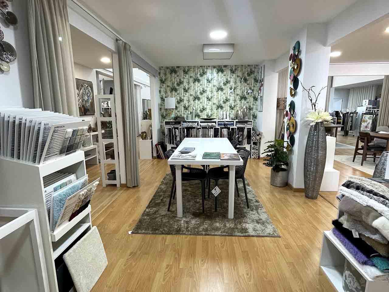 lisiarte-cortinados-papeldeparede-decoração-interiores-caldasdarainha-oeste-sãomartinho-bomsucesso-lisboa-praiadelrey